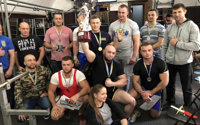 Одесской области по жиму лежа Powergym спортзал одесса 30 сентября 15